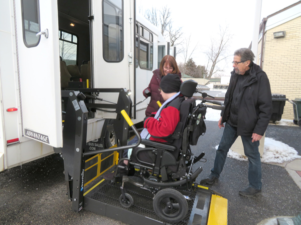 15-passenger-wheelchair-bus